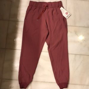 Lululemon On the Fly Jogger Pink Pant